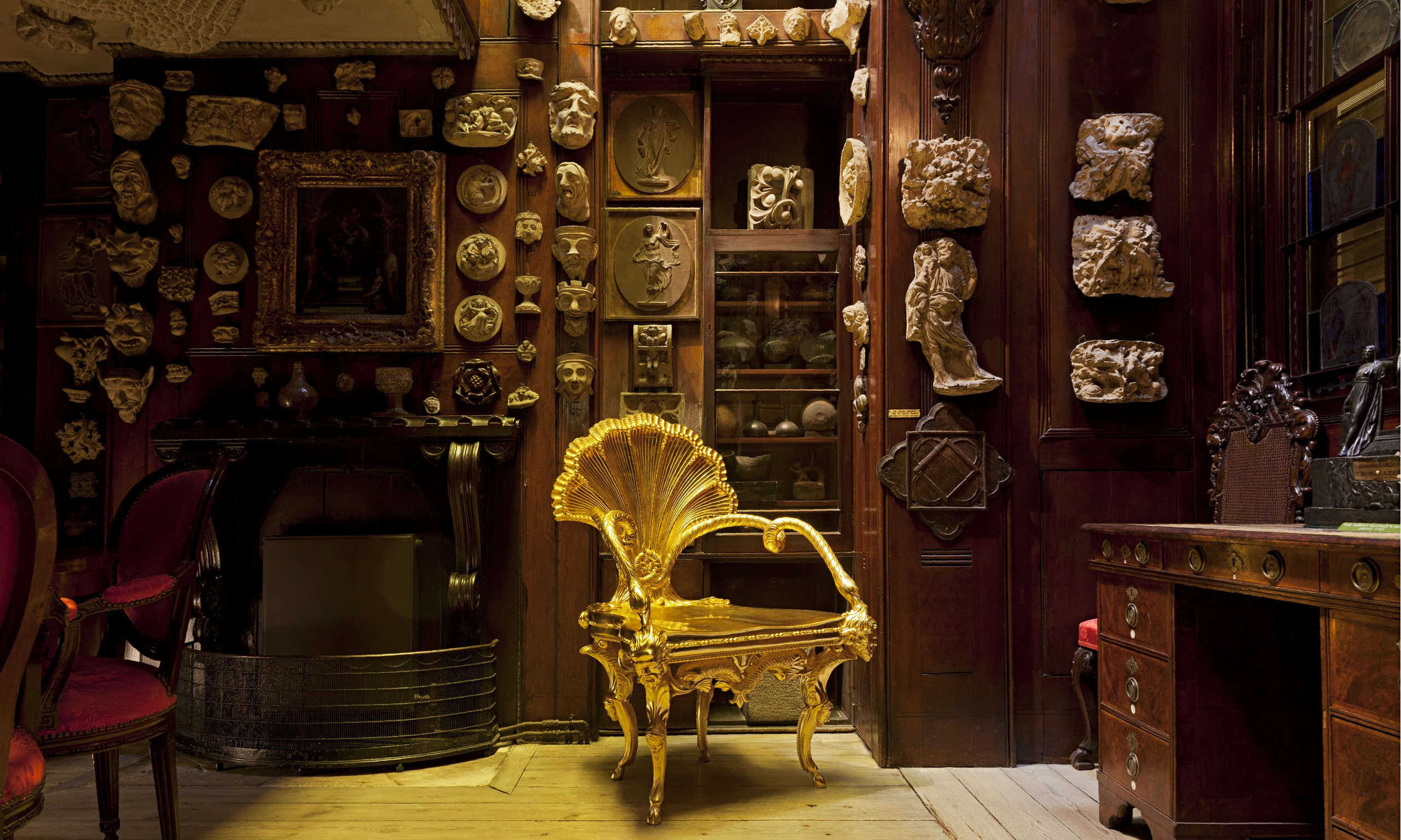 """Aspeto da exposição """"Diverse maniere: Piranesi, fantasy and excesso"""", no museu Sir John Soane, em Londres."""