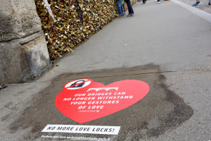 "Campanha ""No more love locks !"" Paris, ago. 2014"